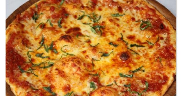 Una's pizza Shanghai