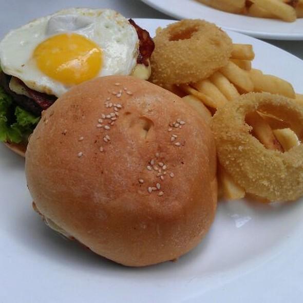 johnny moo shanghai burger hongqiao gubei